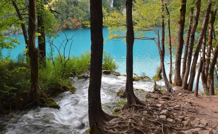 Plitvice lakes economy tour from Trogir